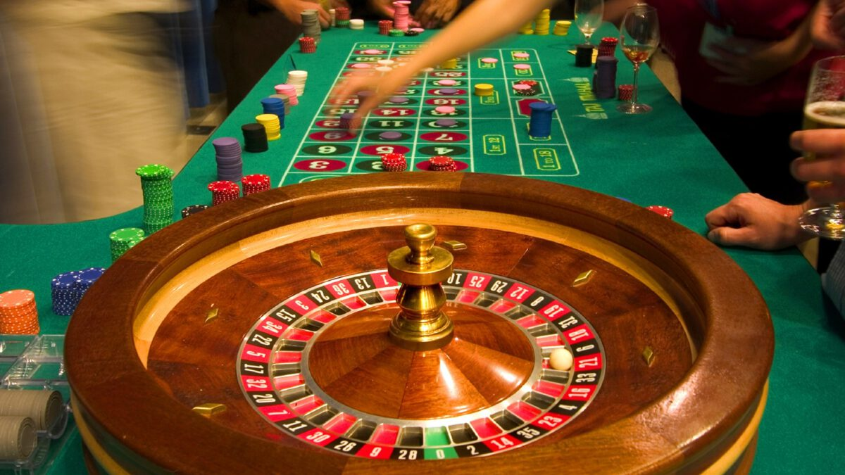 Tips for Avoiding Table Games at the Casino